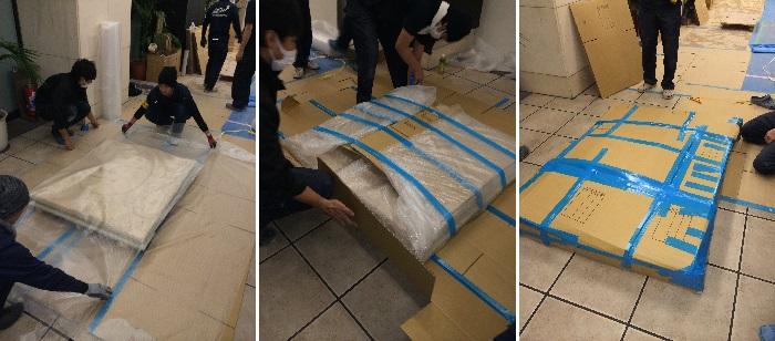 石画の梱包作業