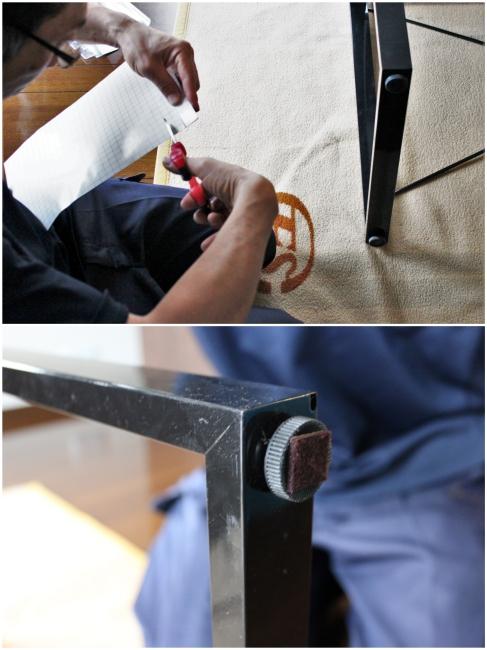 家具の脚にフェルト取付サービス