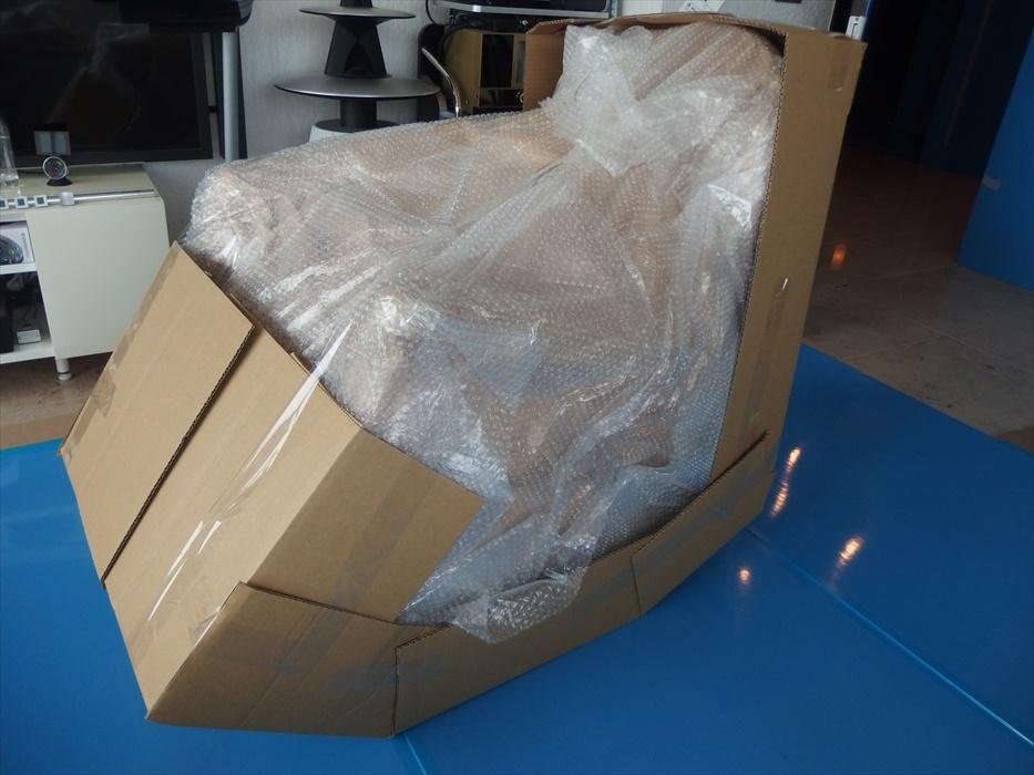 クロムハーツのアームチェア梱包.2