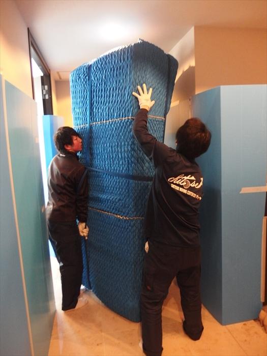 クロムハーツの3人掛けソファの梱包運搬.5