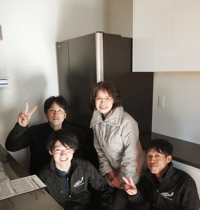 大型冷蔵庫手吊り作業お客様記念写真