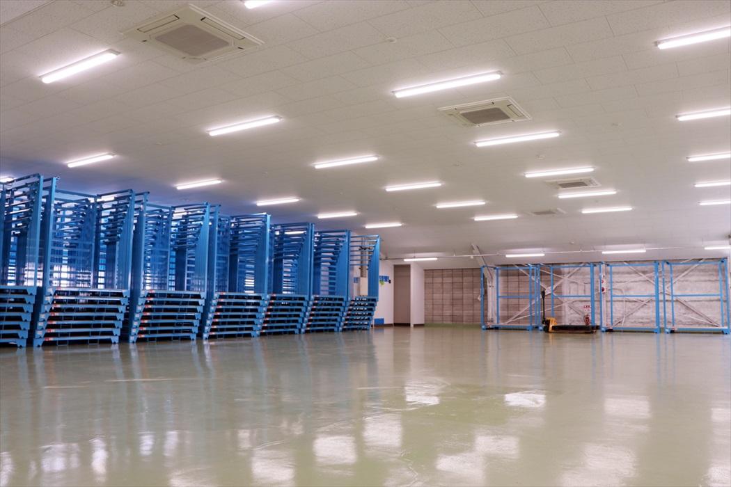 プレミアムストレージサービス本社倉庫内
