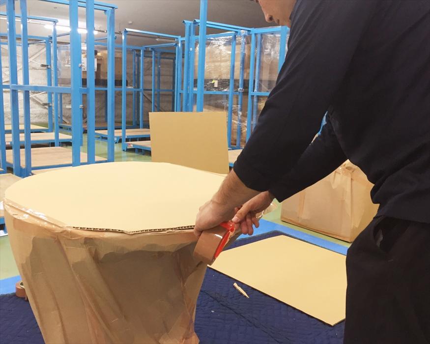 イサム・ノグチダイニングテーブルの保管用梱包