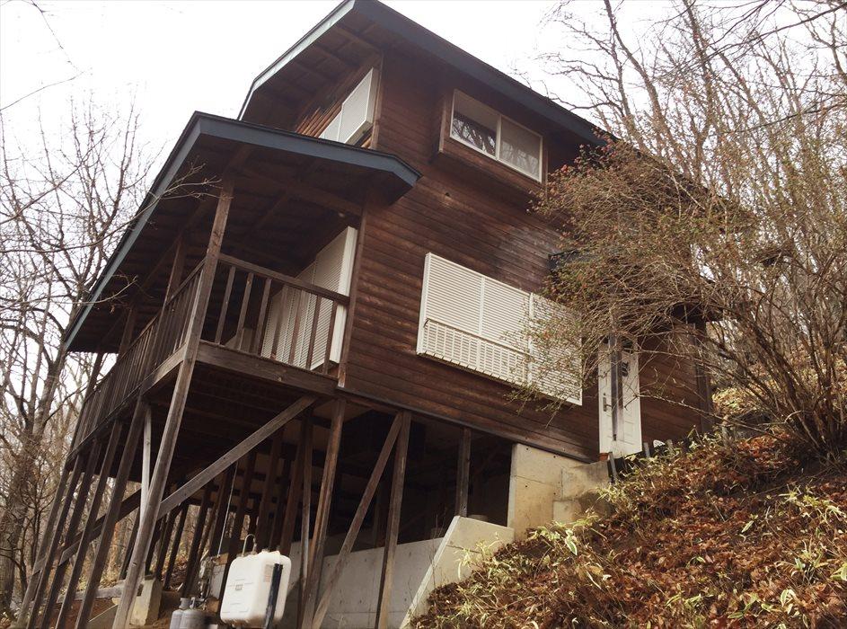 高台斜面の別荘