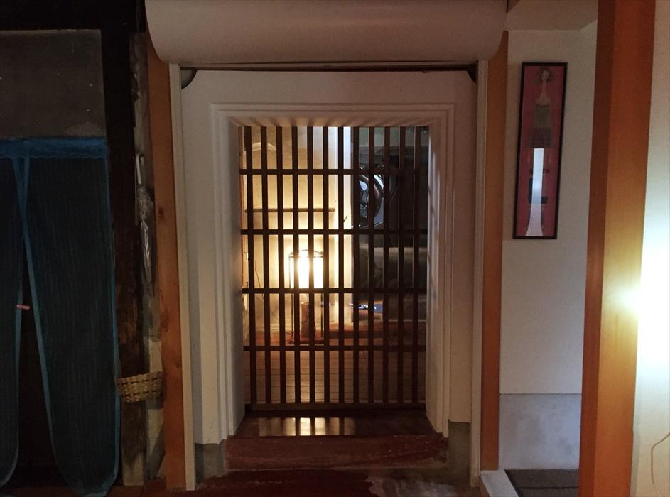 蔵に入る扉