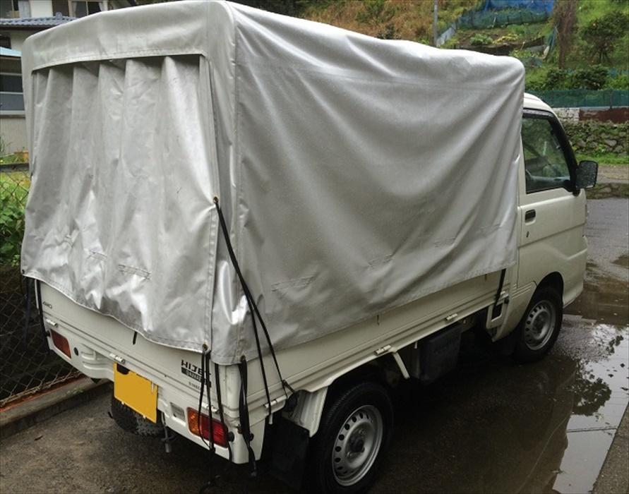 軽トラックに積み替え作業