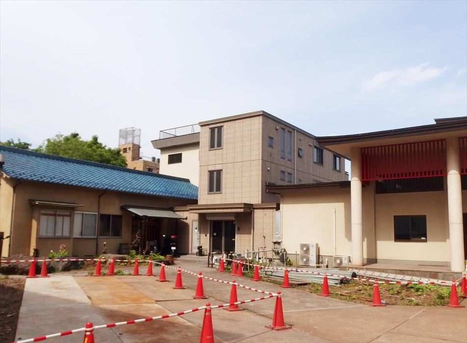 建設工事中のお寺