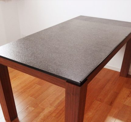 御影石ダイニングテーブル