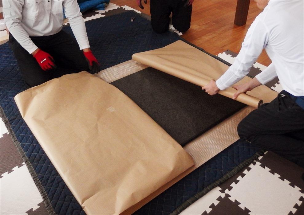 御影石ダイニングテーブルの梱包.3