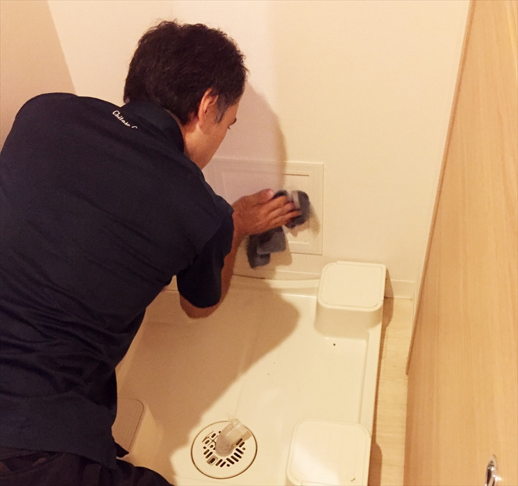 洗濯機置き場のお掃除.2