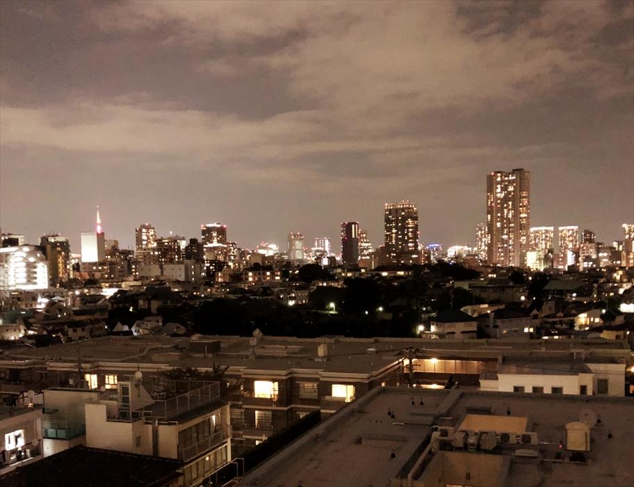 部屋から見える夜景