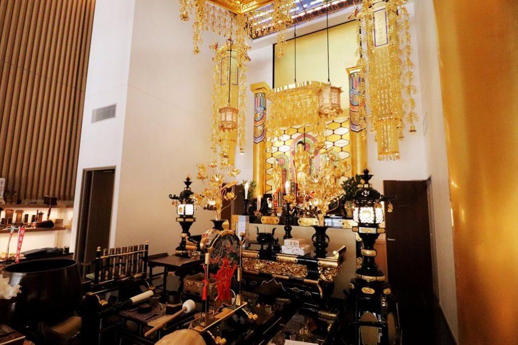 十方寺の祭壇