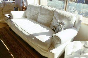 クロムハーツの3人掛けソファ