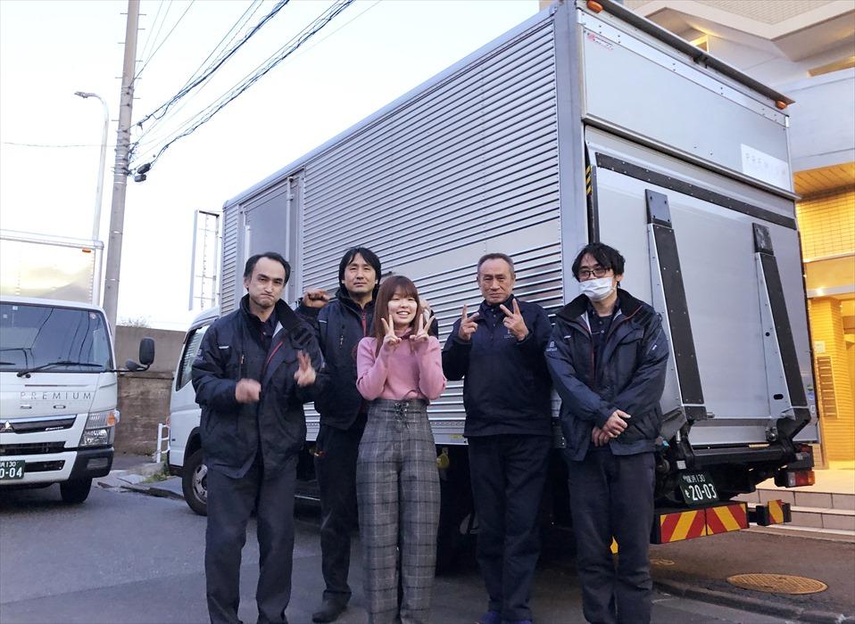 遠方引越で保管倉庫ご利用のお客様記念撮影.3