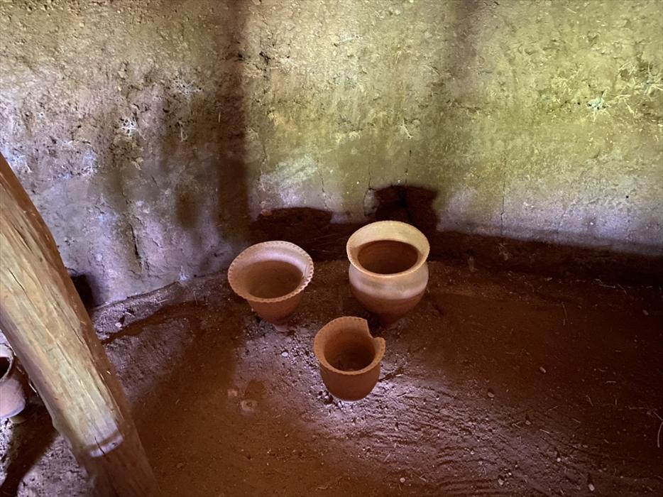 竪穴住居内の土器
