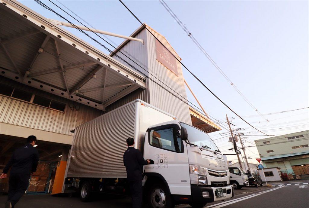 横浜の本社倉庫