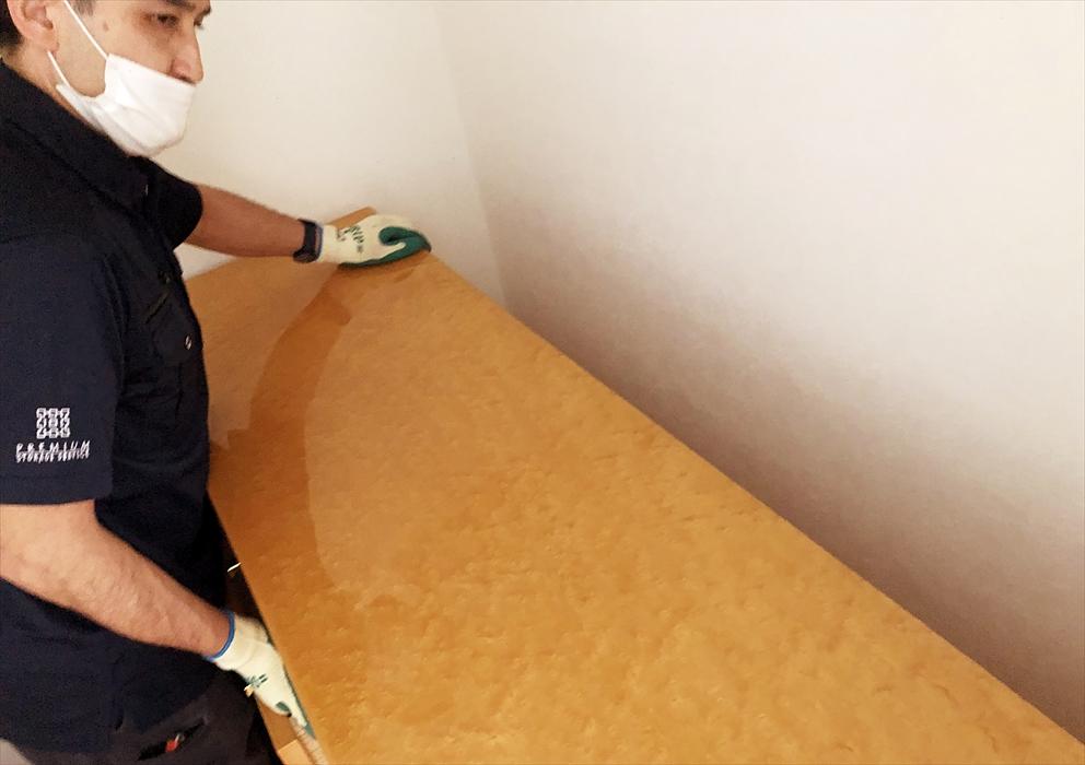 家具のセッティング作業.2