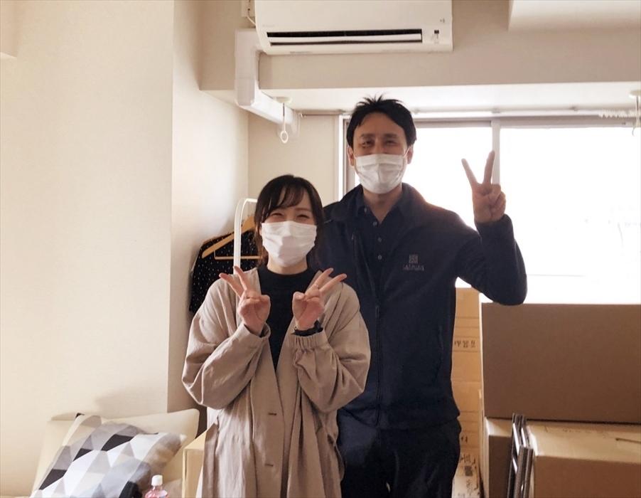 引越サービス完了後のお客様記念撮影.15