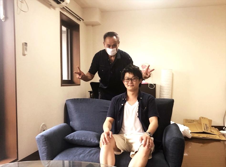 引越サービス完了後のお客様記念撮影.18