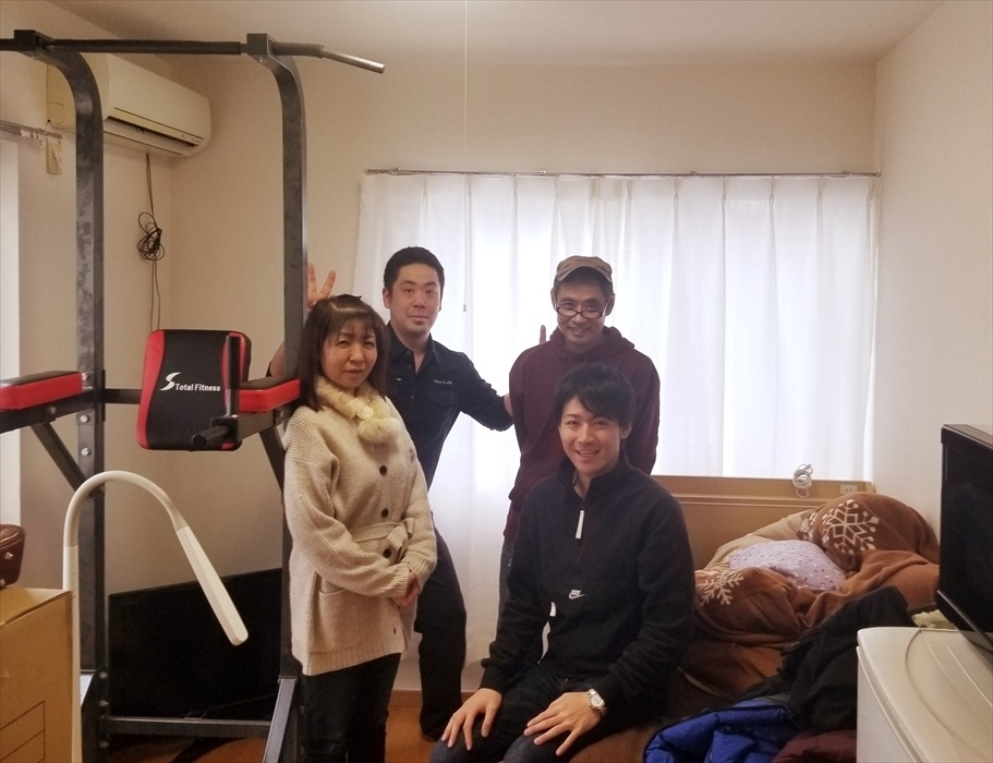 引越サービス完了後のお客様記念撮影.3