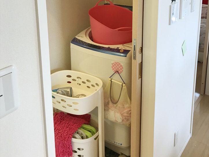 ホームステージング前の洗濯機置き場