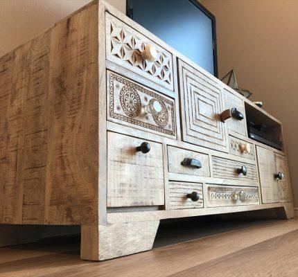 搬出入をさせていただきましたドイツ製家具カレのテレビボード